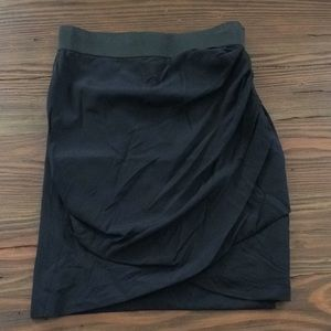 ELizabeth and James skirt in size Medium